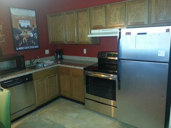 Residence Inn Denver West/Golden: Complete kitchen!