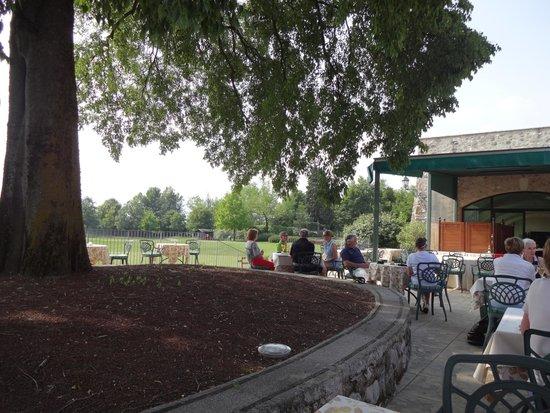 Palazzo Arzaga Hotel Spa & Golf Resort: Terrasse zum Golfplatz