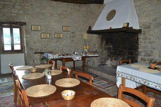 Castello Valenzino: Sala Colazioni