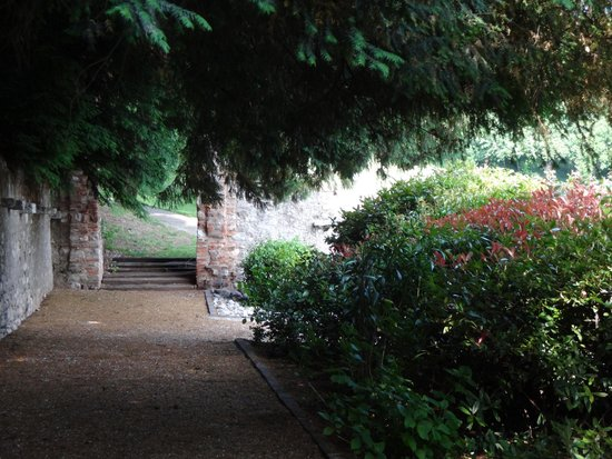 Palazzo Arzaga Hotel Spa & Golf Resort: abgeschiedene Wege