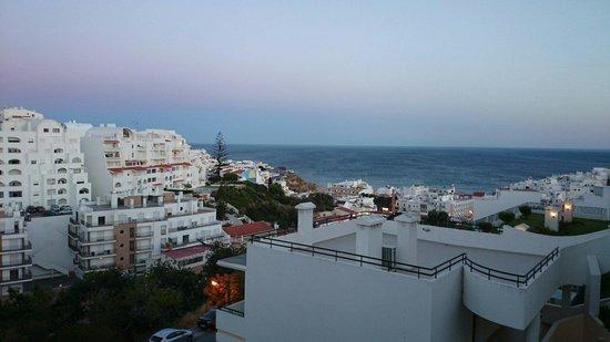 Cerro Malpique Aparthotel: Vista de Mar da área da piscina