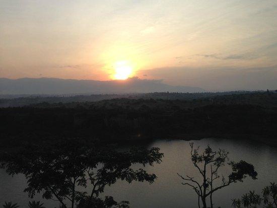 Kyaninga Lodge : panorama tramonto