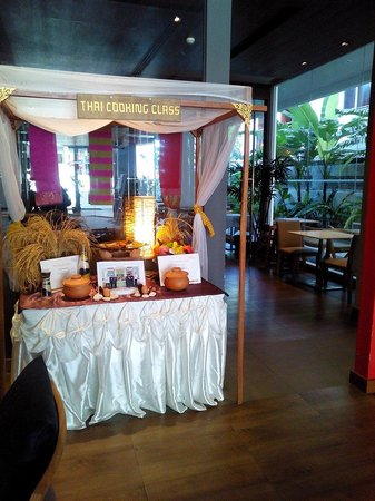 The ASHLEE Heights Patong Hotel & Suites: Restaurant