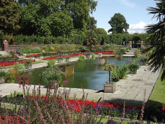 Kensington Palace : Kensington gardens