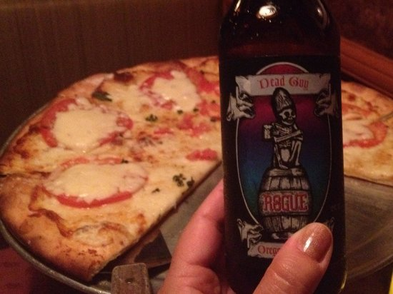 Fenicci's Restaurant : Great beer and awesome authentic pizza margarita!