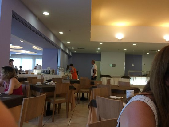 Riva Marina Resort CDSHotels: una delle tante sale dove si mangiava