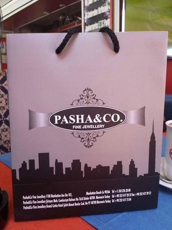 PICCADILLY RESTAURANT STEAK HOUSE: must visit pasha< reggie will take you great deals to be had x