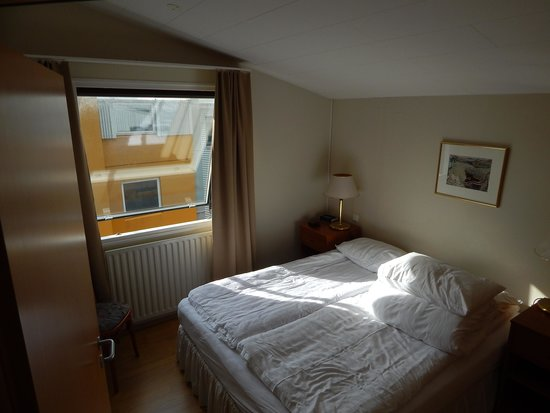 Hotel Fron: Zimmer