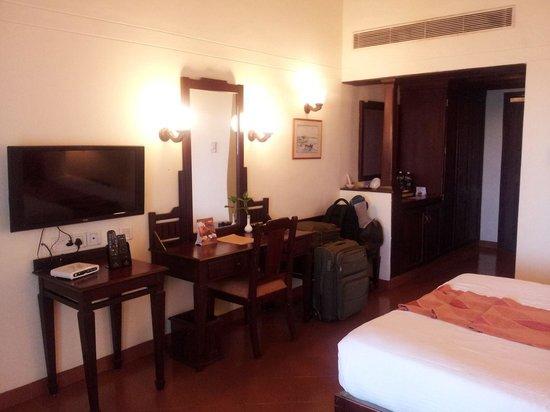 Abad Whispering Palms Lake Resort: Room