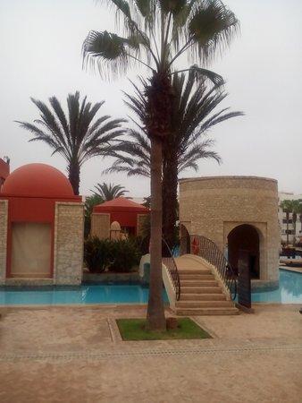 Sofitel Agadir Royal Bay Resort: А это бассейн внутри отеля