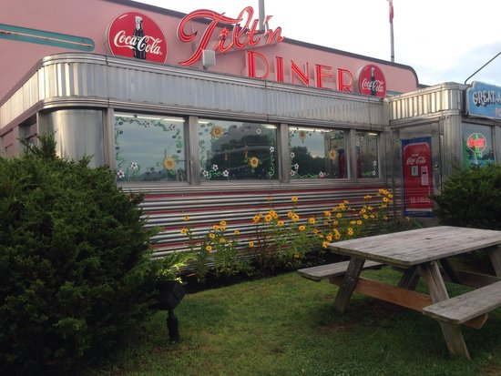 Anchorage at the Lake: Great 50s style diner