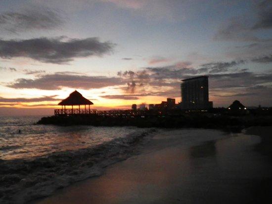 Crown Paradise Club Puerto Vallarta: beach