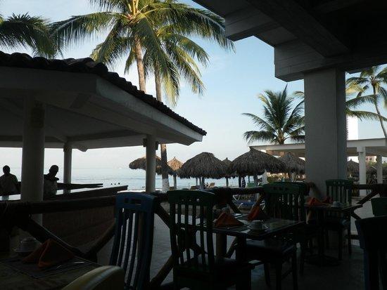 Crown Paradise Club Puerto Vallarta: restaurant