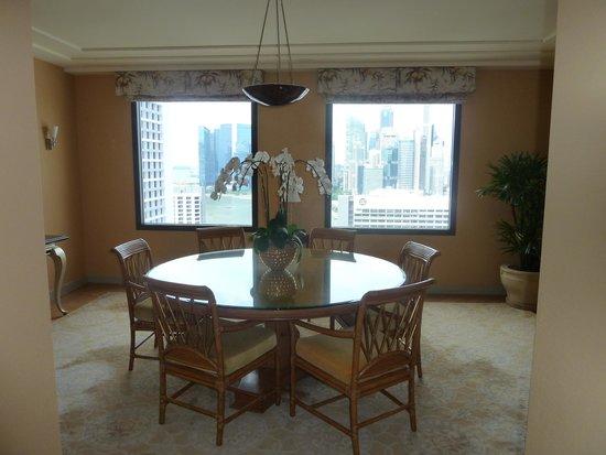 Conrad Centennial Singapore: Presidential Suite Dining Room