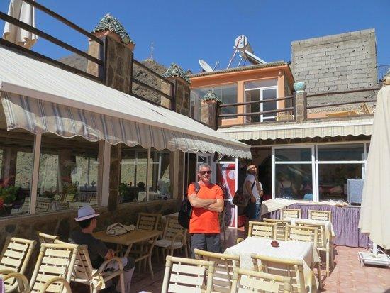 Auberge Atlas Tichka : Terras restaurant