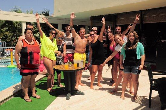Tuntas Beach Hotel Altinkum: some great people