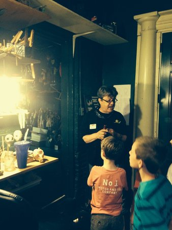 Lancaster Marionette Theatre : Backstage with Robert