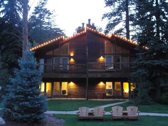 The Woodlands on Fall River: Beautiful place to stay and relax!