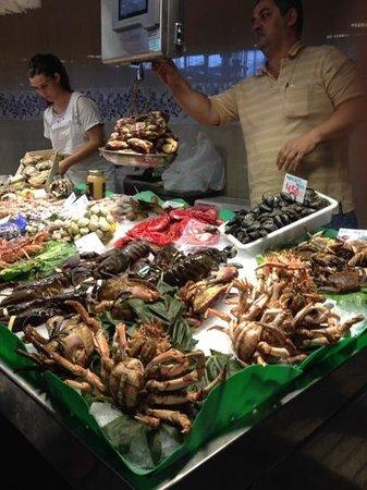 Mercado de Sant Josep de la Boqueria: selection of seafood