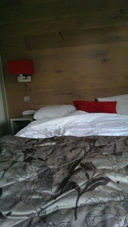Hotel Turenne : Bett