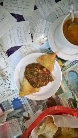 Restaurant du Peuple : Briks et salade