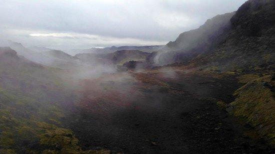 Krafla Lava Fields: Paseo por el crater