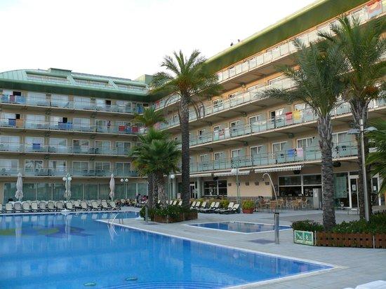 Caprici Verd: a pool