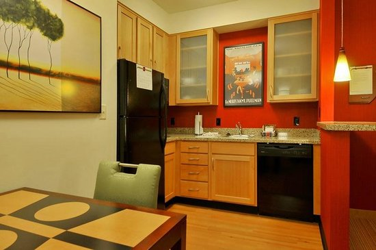 Residence Inn Glenwood Springs: Room's kitchen