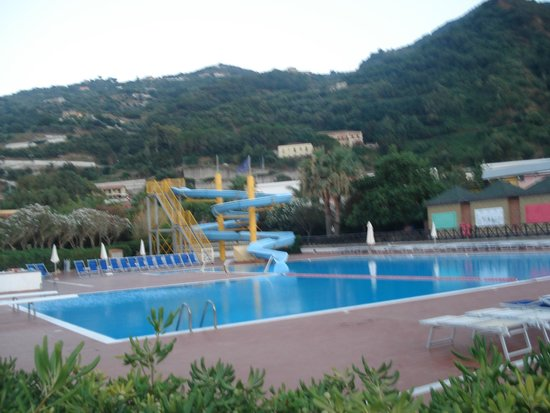 Piraino, Italia: bella piscina