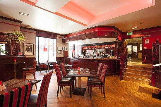 Molly's Bar