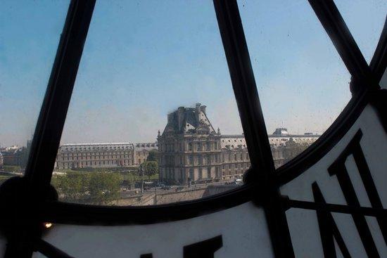 Musée d'Orsay: Olha lá ,o Louvre