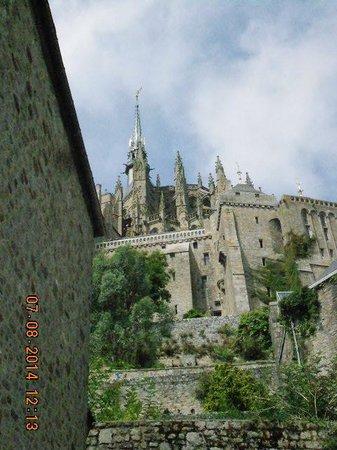 Abbaye du Mont-Saint-Michel : view uphill