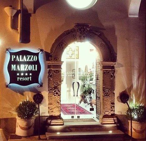 Palazzo Marzoli Resort : main door