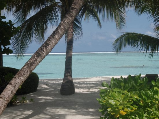 Club Med Kani : beach view from the bungalow