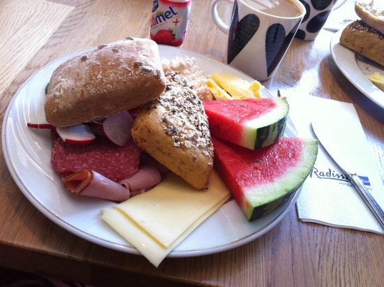Radisson Blu Royal Hotel, Helsinki: Breakfast