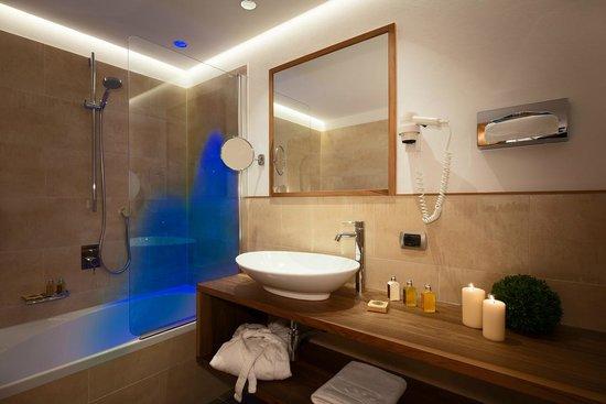 Residence Sovara: appartamento a 5 vani - doccia