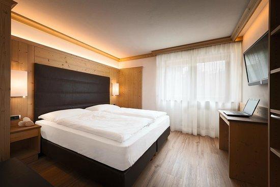 Residence Sovara: appartamento a 5 vani - camera