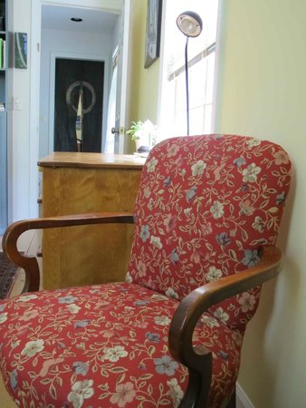 A Room in the Village Bed & Breakfast: Four Seasons Room