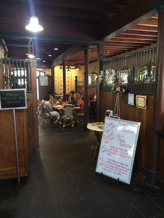Anne Marie's Carriage House Bistro