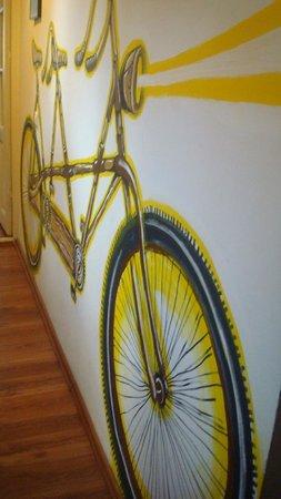 Umbrella Hostel: wall painting