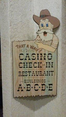 Saddle West Hotel, Casino and RV Resort: Il cartello per le camere