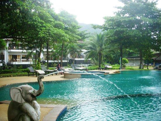Siam Beach Resort: Общий бассейн