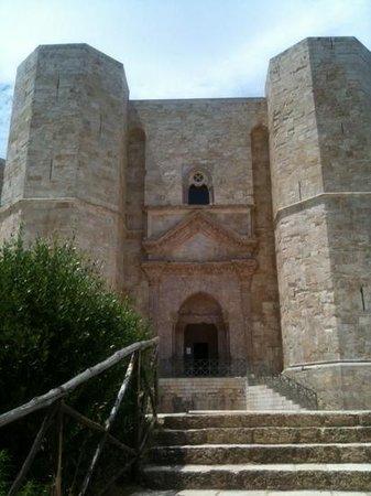 ingresso castel del monte