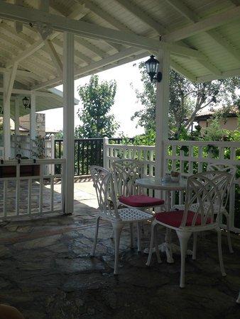 Paloma Grida Resort & Spa: Патио днейвной кофейни