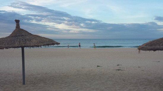 Ana Mandara Hue Beach Resort: Beach