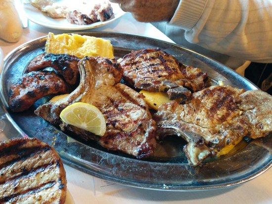 Rifugio Kubelek : La carne alla brace