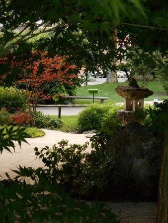 Golden Tulip Aix Les Bains : Jardin japonnais