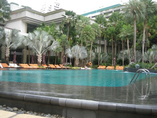 Shangri-La Hotel Bangkok: Pool