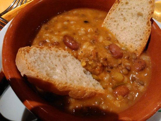 Agriturismo La Casella: zuppa del casale