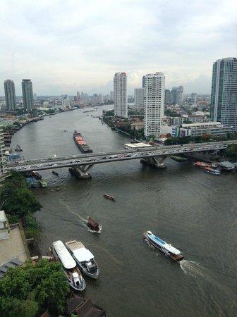 Shangri-La Hotel,Bangkok: View of Chao Phraya River from Horizon Club